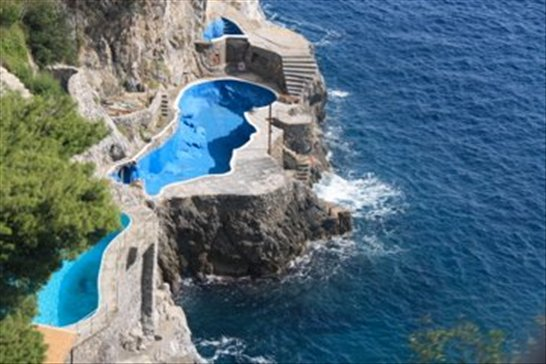 The best swimming pool ever amalfi italy - The coolest swimming pool in the world ...