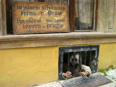What purports to be the oldest medieval tavern in prague for Medieval hotel prague
