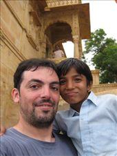 Con mi amigo Asarf de Bikaner, en el lago de Jaisalmer: by dayangchi, Views[160]