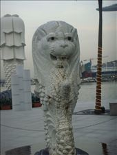 replica of the lion's head landmark in Singapore: by doykadge, Views[193]