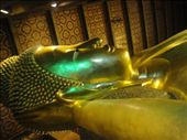The awe-strucking Recling Buddha in Wat Pho.  This was the face of the Buddha right before he became enlightened: by jlessing, Views[85]
