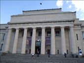 A picture of the front of the Museum standing in front of the War monument.: by kiwi_kerry, Views[129]