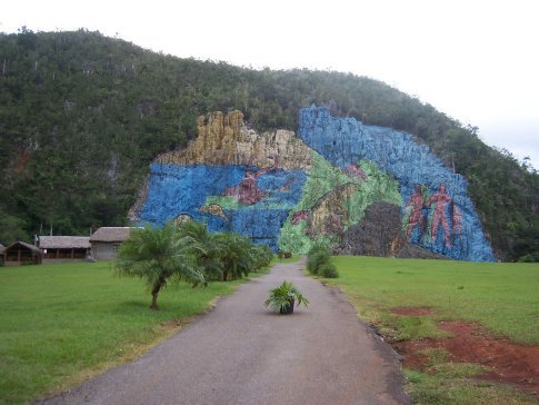 Mural de la prehistoria valle de vi ales cuba for Mural de la prehistoria
