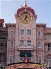 Disneyland Paris clock: by mel, Views[328]