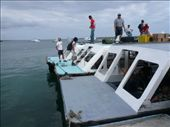 Connecting boat to the airport off of Santa Cruz island: by muimui2009, Views[127]
