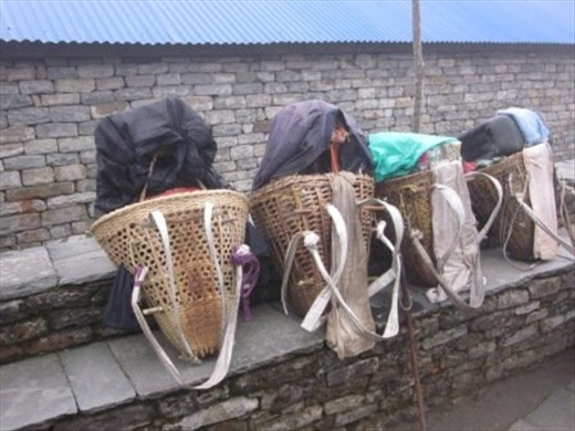 Porter baskets having a rest