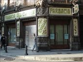 Pharmacy during siesta, Barcelona : by ray-charles, Views[201]