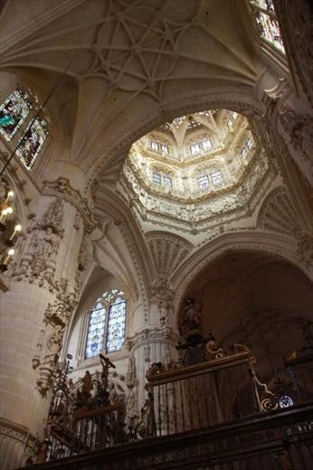Interior cathedral burgos spain pamplona to santiago - Interior santiago de compostela ...
