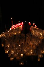 Votive candles, Cathedral Notre Dame de Chartres: by vagabonds, Views[50]