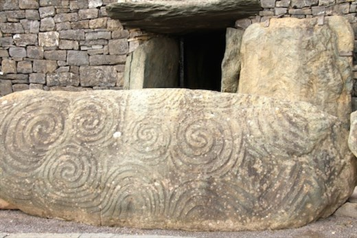 The passage tombs of bru na boinne and loughcrew ireland